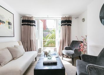 Thumbnail 2 bedroom flat for sale in Wood Vale, London