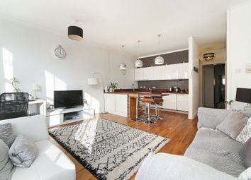 Thumbnail 2 bedroom flat to rent in Monument Hill, Weybridge