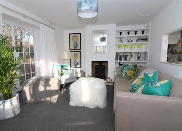 Thumbnail 2 bed flat for sale in New Street, Sandwich