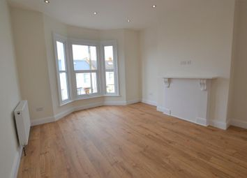 Thumbnail 3 bed flat to rent in Sunnyside, London