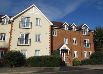 Thumbnail Flat for sale in Whinbush Road, Hitchin