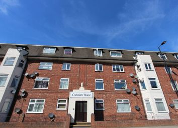 Thumbnail 2 bedroom flat for sale in Canute Road, Ocean Village, Southampton