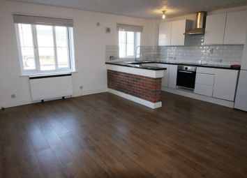 Thumbnail 1 bed flat to rent in London Road, Grays