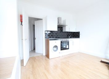 Thumbnail 1 bed flat to rent in Barnabas Road, Hackney