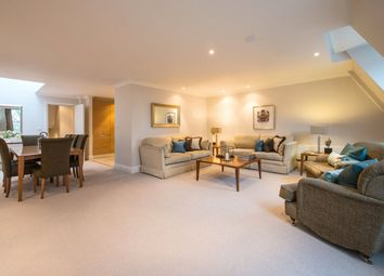Thumbnail 2 bed flat to rent in Gilbert Street, Mayfair, London