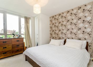 Thumbnail 2 bed flat to rent in Endlesham Road, Balham