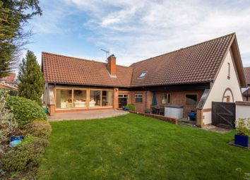 Thumbnail 5 bed detached house for sale in Mallard Croft, Haddenham, Aylesbury