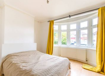 Thumbnail 2 bed flat to rent in Devonshire Road, Mill Hill East