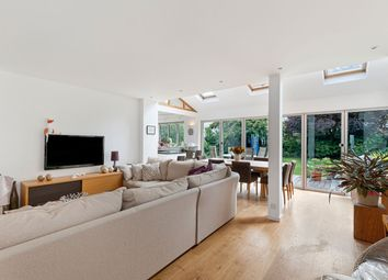 The Street, Ryarsh, West Malling ME19. 4 bed detached house