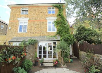 Thumbnail 4 bed town house for sale in Osbourne Mews, Windsor, Berkshire