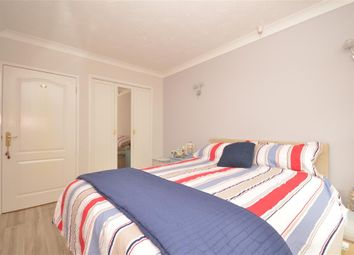 Thumbnail 1 bedroom flat for sale in Egypt Esplanade, Cowes, Isle Of Wight