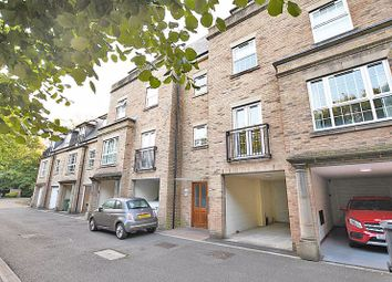 The Chimes, Bearsted, Maidstone ME14. 2 bed flat
