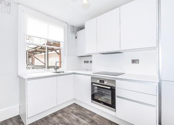Thumbnail 3 bed flat for sale in Henley On Thames, Town Centre Location