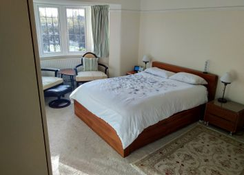 Thumbnail 6 bed shared accommodation to rent in Cheam Road, Epsom