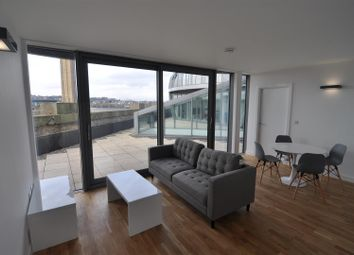 2 bed flat to rent in Lilycroft Road, Bradford BD9