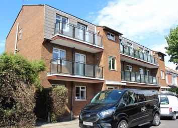 Thumbnail 1 bed flat to rent in Glendale Gardens, Leigh-On-Sea