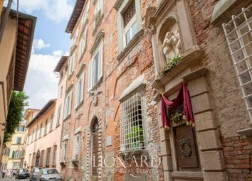 Thumbnail Hotel/guest house for sale in Lucca, Lucca, Toscana