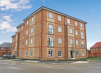 Thumbnail 2 bed flat to rent in Clover Fields, Didcot
