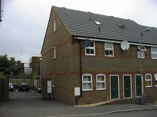 Thumbnail 2 bedroom flat to rent in Albert Road, Luton