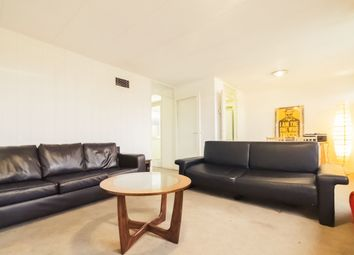 Thumbnail 2 bed flat to rent in Park Hill, Clapham Common, London