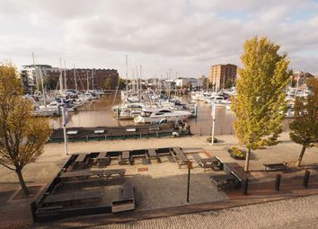 2 bed flat to rent in Humber Dock Street, Hull HU1