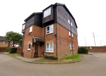 Thumbnail 1 bed flat to rent in Braemar Gardens, Cippenham, Slough