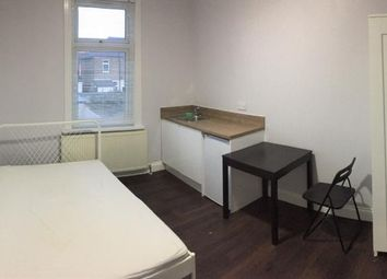 Thumbnail Studio to rent in Blythswood Road, Ilford