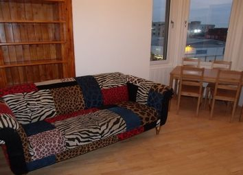 2 bed flat to rent in Fairlie Park Drive, Glasgow G11