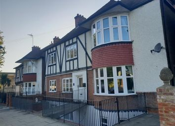 Thumbnail 6 bed detached house to rent in Somerhill Road, Hove, East Susex