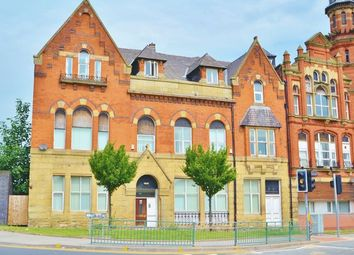 2 bed flat to rent in Broughton Road, Salford M6