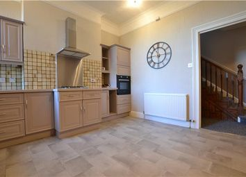 Thumbnail 3 bed flat to rent in Grosvenor Road, Tunbridge Wells, Kent