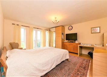 2 bed flat to rent in Park View Close, St.Albans AL1