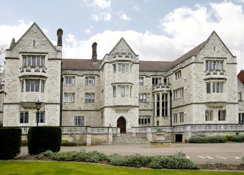 Thumbnail 2 bed flat to rent in Queensmere House, Royal Close, Wimbledon