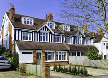 Albany Crescent, Claygate, Esher, Surrey KT10. 3 bed flat