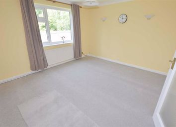 Thumbnail 2 bed flat to rent in Torrington Park, North Finchley, London