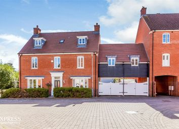 Thumbnail 6 bed link-detached house for sale in Eastwood Park, Great Baddow, Chelmsford, Essex