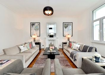 Thumbnail 4 bed flat to rent in Queen's Gate, South Kensington