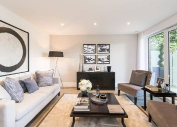 Thumbnail 3 bed flat for sale in Middleton Court, Wimbledon