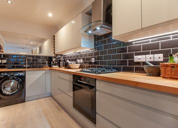Thumbnail 2 bed flat for sale in Wingrove Road, Reading, Berkshire