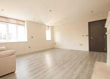 3 bed flat to rent in Sandalwood Close, Arkley, - Virtual Viewings Available EN5