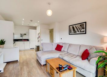 Kingfisher Heights, Silvertown, London E16. 1 bed flat for sale