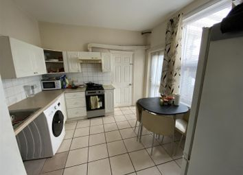 Thumbnail Flat to rent in Layton Road, Hounslow