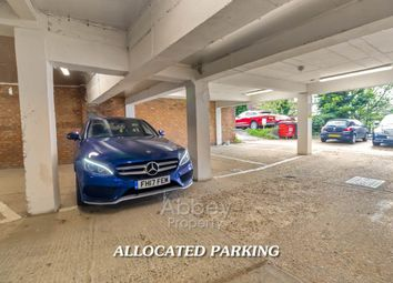 Thumbnail Parking/garage to rent in Napier Road, Luton