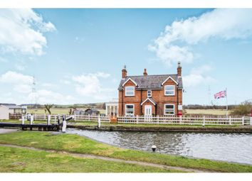 Thumbnail 2 bed property for sale in Canal Bank, Loughborough