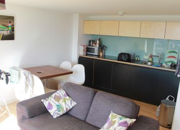2 bed flat to rent in Saxton, The Avenue, Leeds LS9