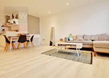 Thumbnail 2 bed flat to rent in White Hart Yard, Borough
