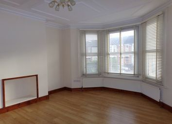 Thumbnail 3 bed flat to rent in Squires Lane, London