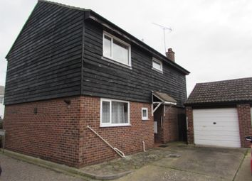 Thumbnail 4 bed detached house to rent in Dixon Avenue, Clacton-On-Sea