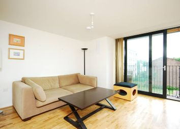 Thumbnail 1 bed flat to rent in Great West Road, Hammersmith, London