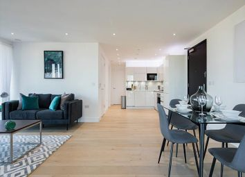 2 bed flat to rent in Heritage Tower, Canary Wharf E14